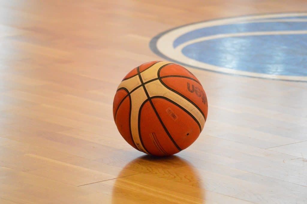 פרקט וכדור
