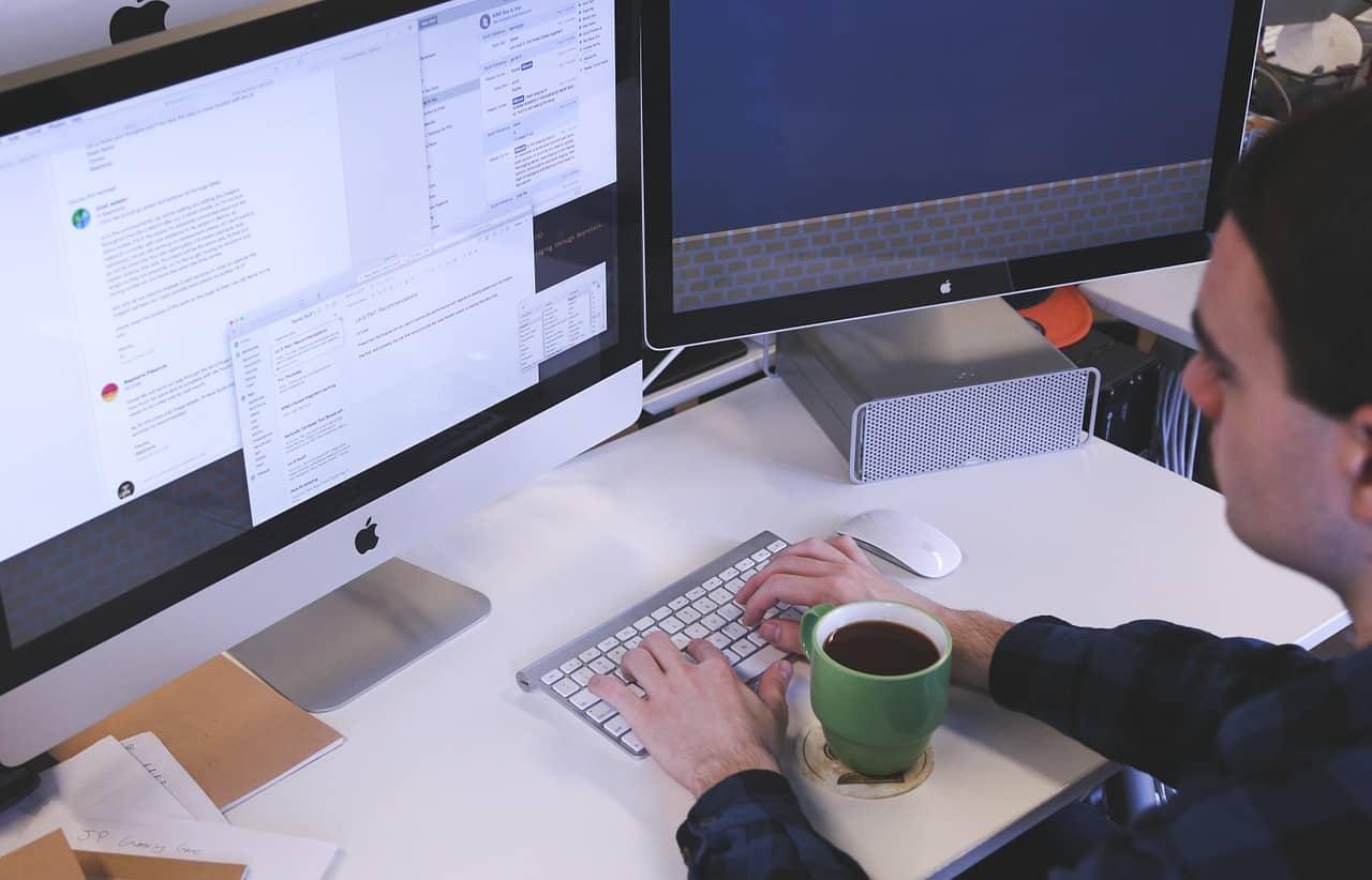 עבודה דרך מחשב