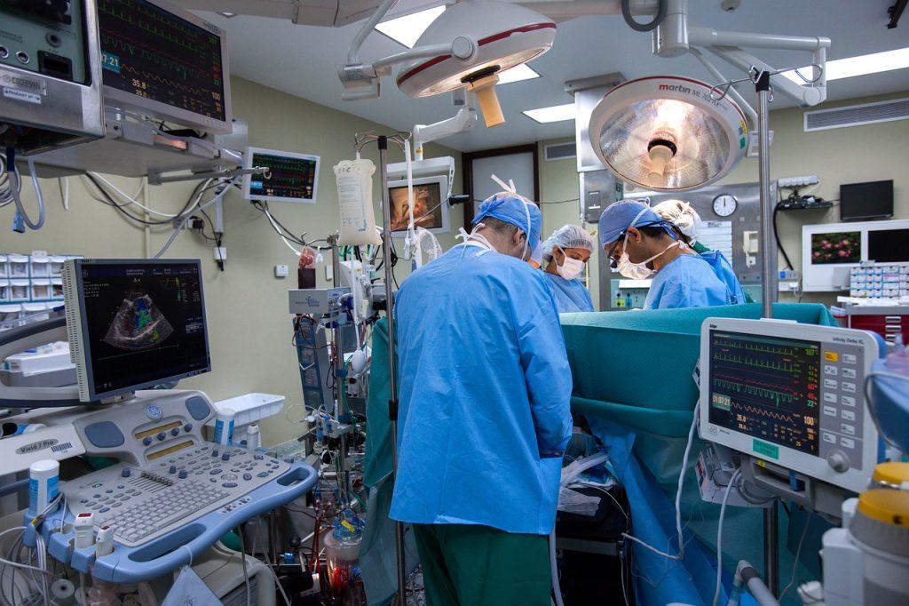 צוות רופאים