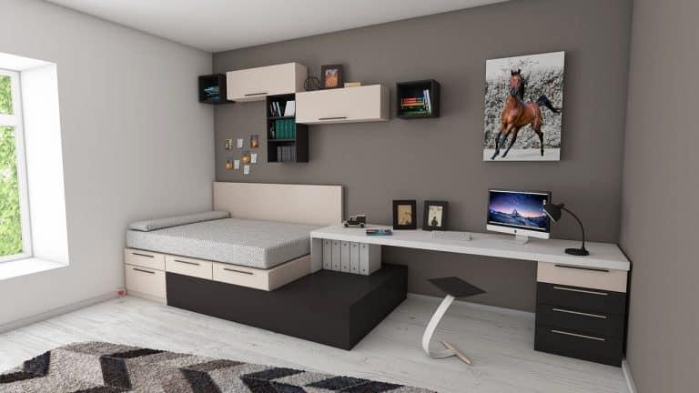 חדר שינה מעוצב עם מחשב