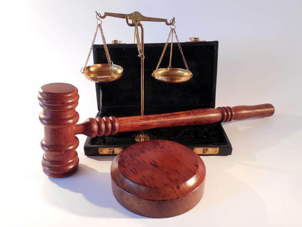 פריטים משפטיים
