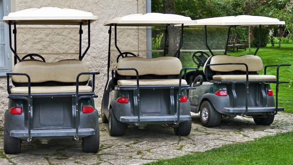 שלושה כלי תחבורה